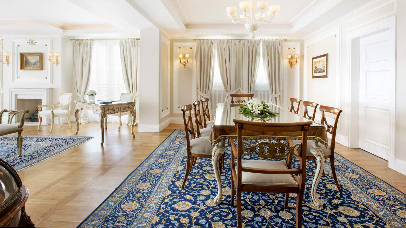 In-room dining possibilities in guest rooms and suites of the King George Athens hotel